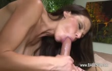 Babe knows how to ride cock!!